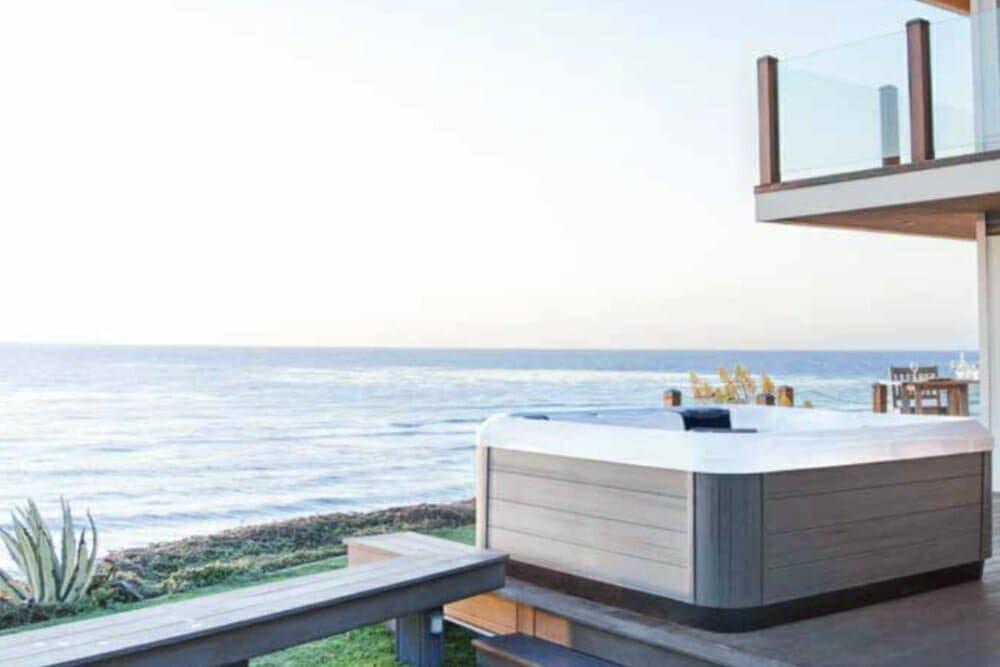 whirlpool jacuzzi spa drei begriffe was ist der unterschied. Black Bedroom Furniture Sets. Home Design Ideas
