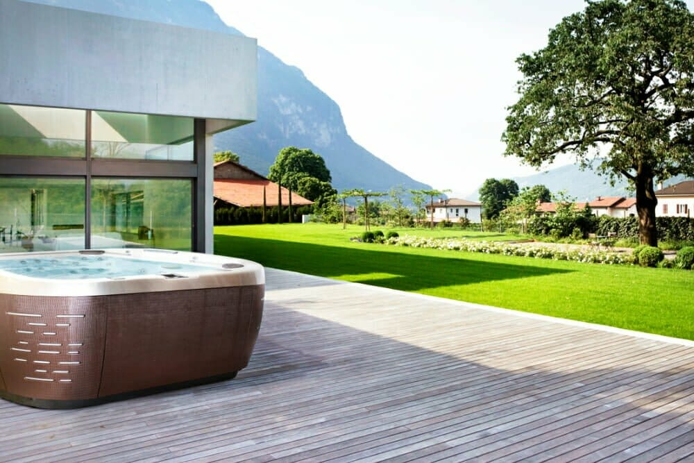 Whirlpool für draußen Jacuzzi Luxus-Whirlpool