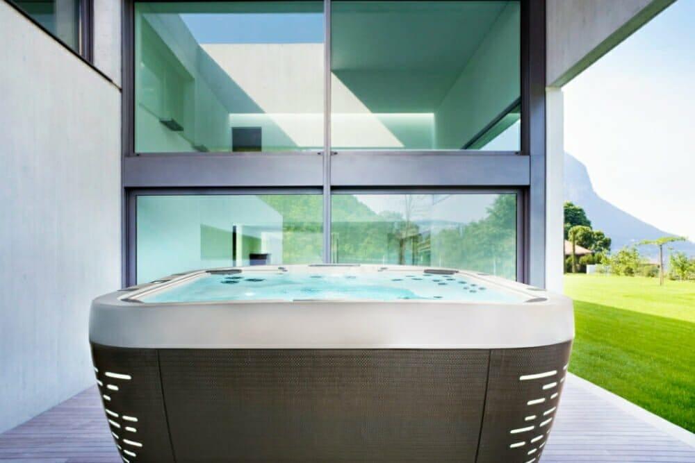 Stellplatz für Whirlpool - Jacuzzi Glas