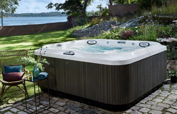 Pool Alternative - Jacuzzi outdoor