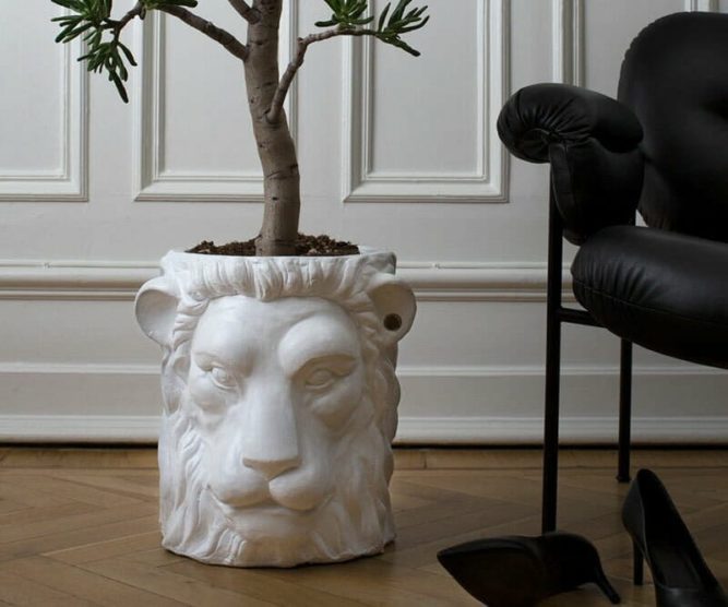 Garden-Glory-Lion-Pot-BIG---White-spadeluxe-2