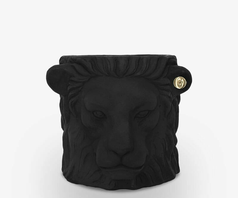 Garden-Glory-Lion-Pot-SMALL---Black-spadeluxe-1