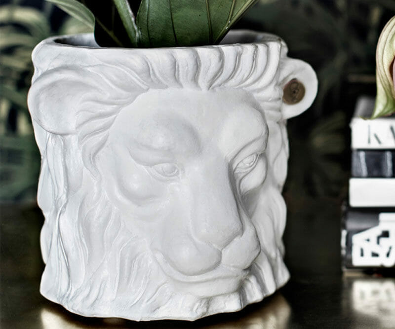 Garden-Glory-Lion-Pot-SMALL---White-spadeluxe-2