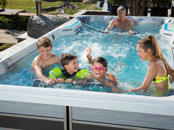 Endless Pools Familienspaß - Spadeluxe
