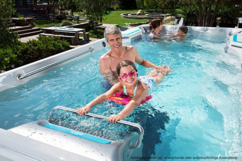 Spadeluxe - Endless Pools Swim Spa E500 Schwimmtraining