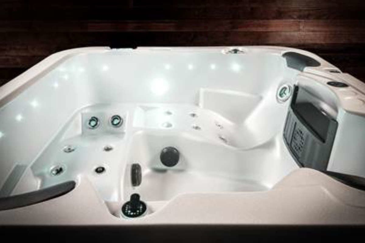 Whirlpool Vortex Azure Lounges