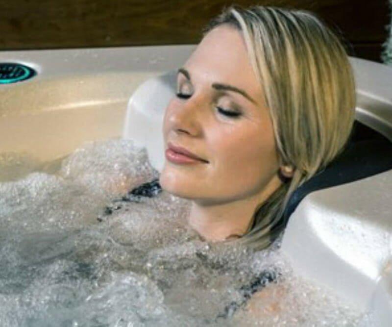 Schwimmspa Massage - Spadeluxe